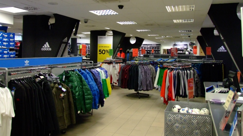 adiads outlet al0h  Adidas Outlet