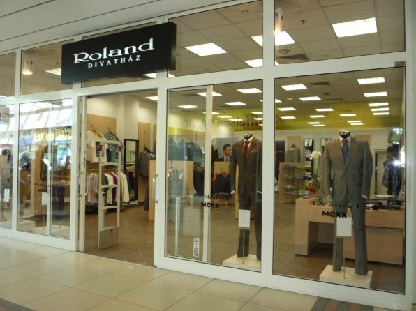 4336ef8dda Roland Divatház - Női ruha, Férfi ruha, Kiegészítők - Debrecen