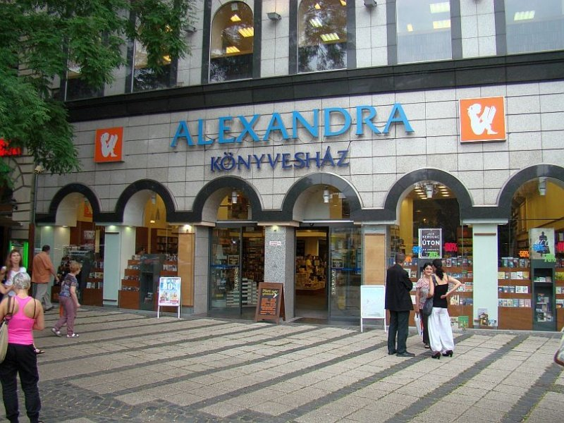 Alexandra Könyvesház - Budapest | Közelben.hu