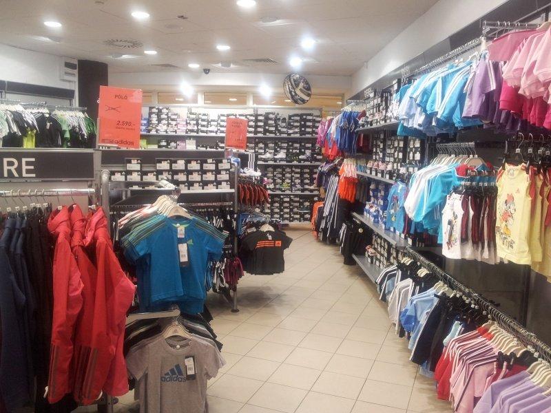 Outlet Tér Boráros hu Adidas BudapestKözelben 4RLA35j