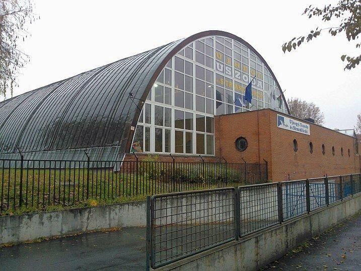 Új tető készül az Újhegyi Uszodára